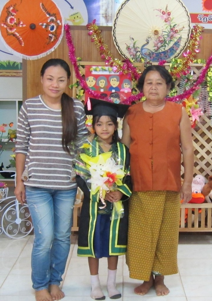 Lek, her Daughter Song, and Grandma Noosin