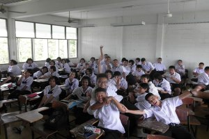 Thai-School-Children-Get-No-Education